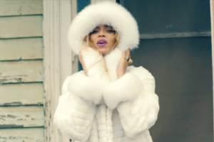 beyonce-look-white-fur-lgn